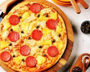 пицца с ананасами и колбасой10