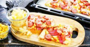 пицца с ананасами и колбасой2