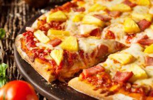 пицца с ананасами и колбасой5