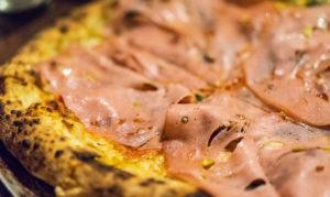 пицца с вареной колбаской 3