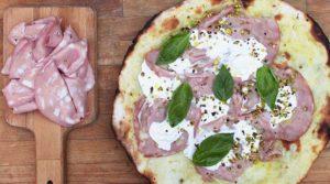 пицца с вареной колбаской 7
