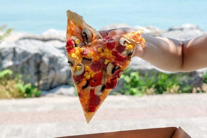 Пицца на свежем воздухе