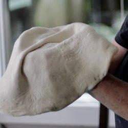 Тесто в руках