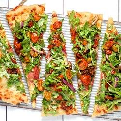 Пять кусочков пиццы