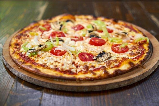 Пышная сырная пицца