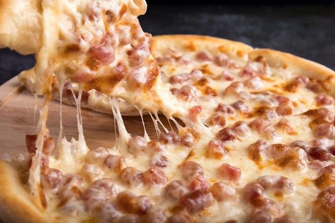 Сочная сырная пицца