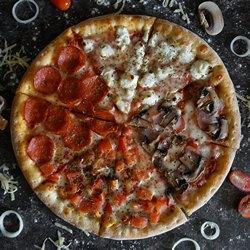 Красивая пицца ассорти