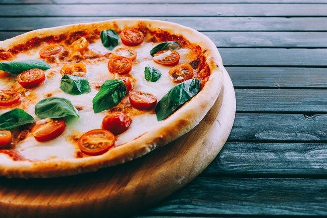 Пицца с большим бортиком