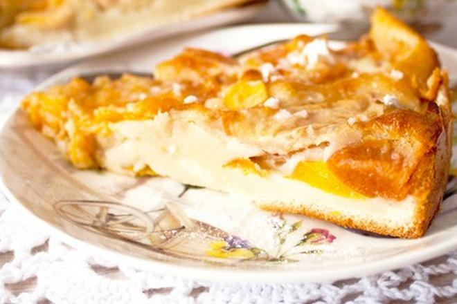 Кусочек пиццы с манго