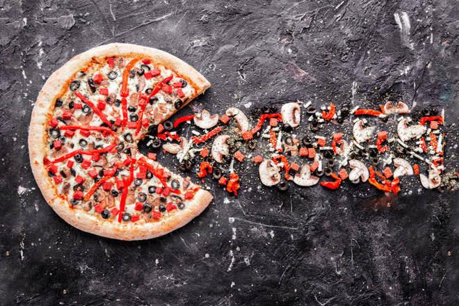 Почти целая пицца и начинка