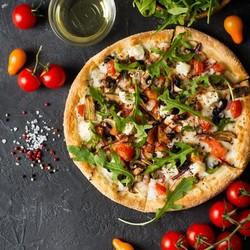 Пицца с добавлением томатов