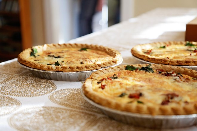 3 пиццы, приготовленные в формочках