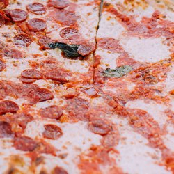 Начинка колбасной пиццы