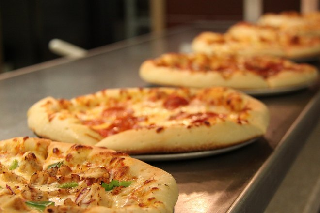 Несколько круглых пицц