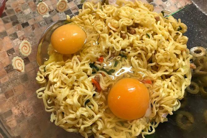 Доширак и яйца