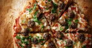 Итальянская пицца с фрикадельками